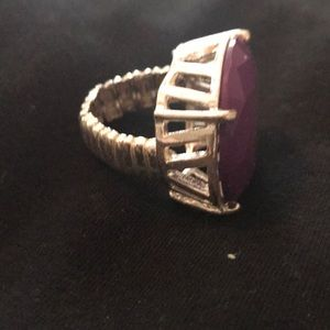 Jewelry - Gorgeous ring on a stretchy band!